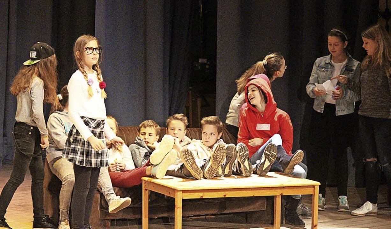 Eine witzige Szene aus dem Schulalltag...er Schulfeier am Tag der offenen Tür.   | Foto: Anja Bertsch