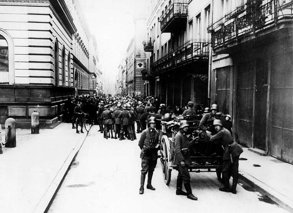 Wohin wird die Revolution führen? Soldaten Anfang November 1918 in München  | Foto: dpa