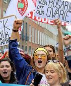 Iren stimmen über Abtreibung ab