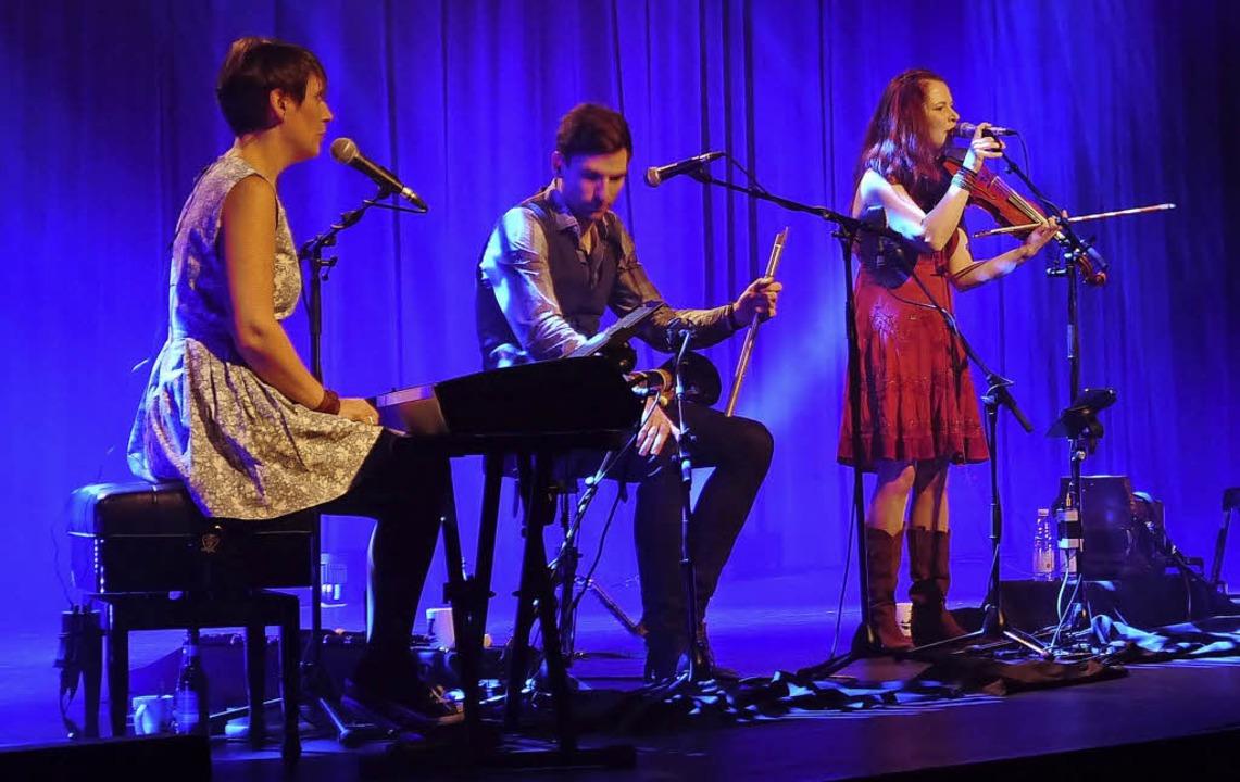 Traurige Balladen und Tanzlieder, die ...gen: Cara begeistert in der Reithalle   | Foto: Ast