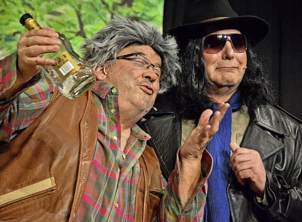 Im neuen  Hebelpark:  Klaus Ciprian-Be...l-Heinz Sterzel als prekäre Existenzen  | Foto: Barbara Ruda