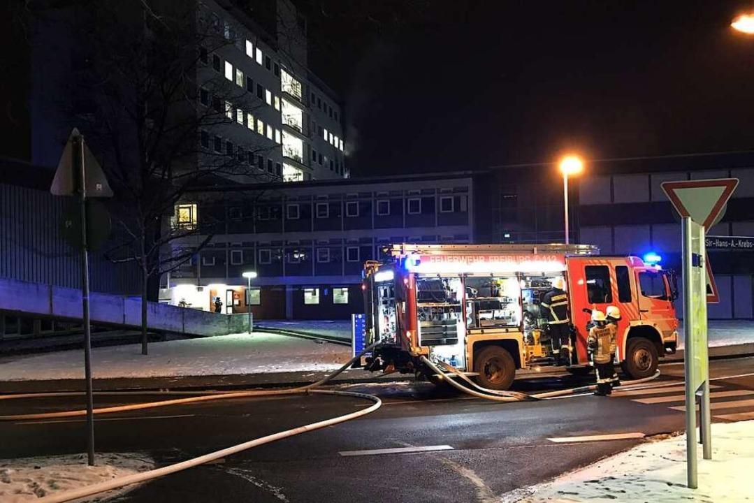 Auch der Einsatz in der Freiburger Zah...e ein Großaufgebot der Rettungskräfte.  | Foto: Daniel Laufer