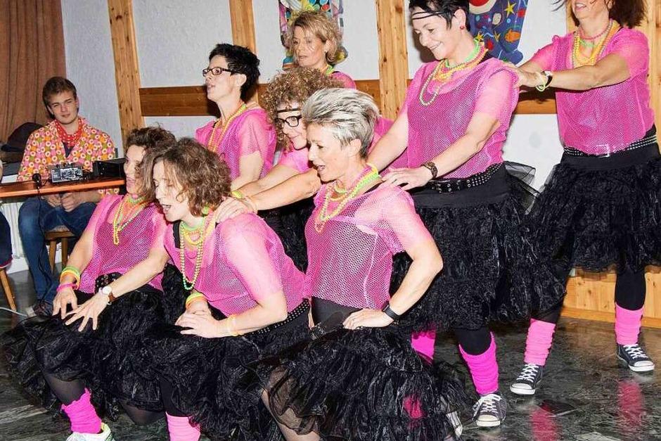 Fetziger Tanz von Mädels, die Spaß an der Fasnet haben. (Foto: Wilfried Dieckmann)