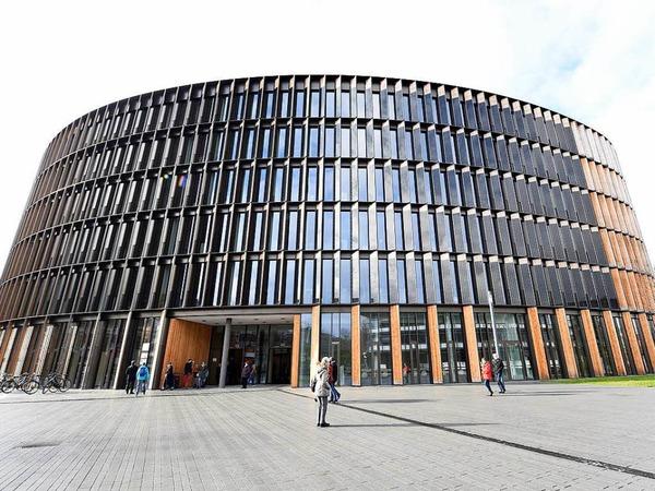 Ein Blick hinter die Kulissen: Das neue Rathaus im Stühlinger wollten viele Bürgerinnen und Bürger besichtigen.