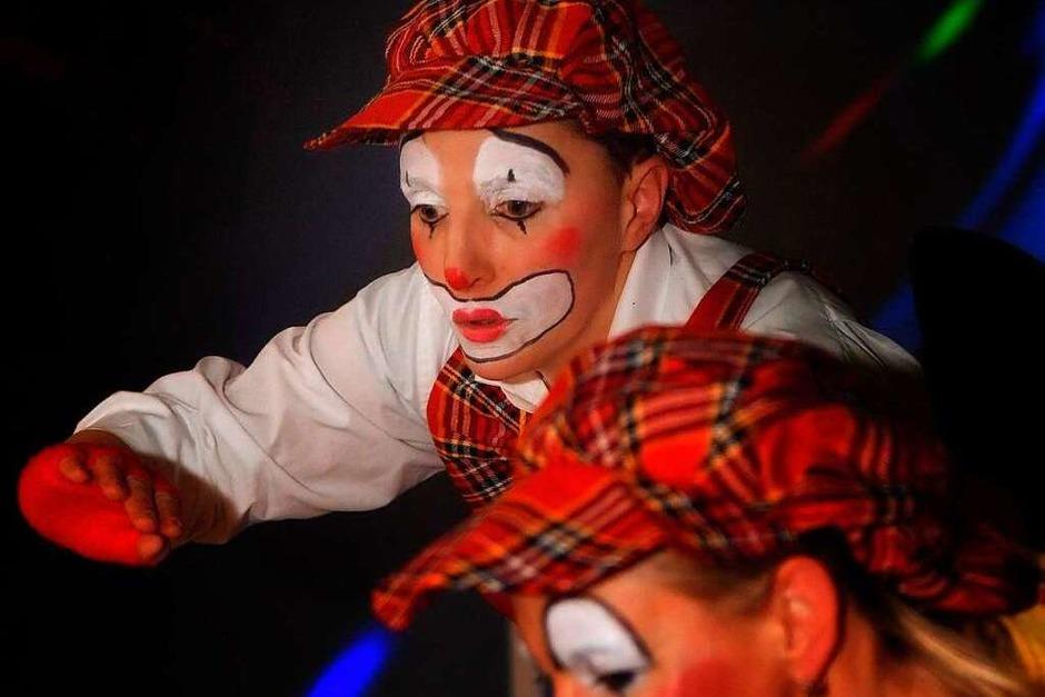 Nicht einmal 40 Mitglieder haben die Fulefürster Bollimänkl, auf der Bühne waren gefühlt 100 Akteure – den Multitalenten in Schauspiel, Tanz und Gesang sei Dank. (Foto: Wolfgang Scheu)