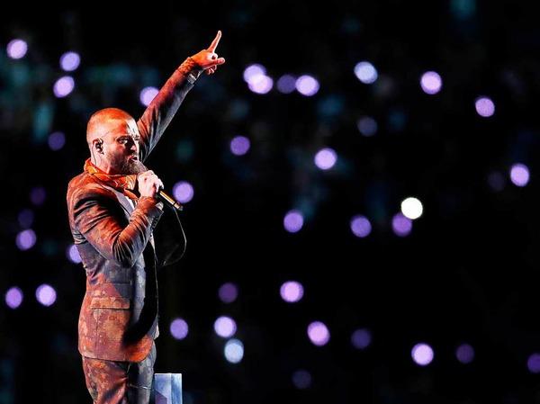 US-Sänger Justin Timberlake (37) hat in der Halbzeitshow beim Super Bowl im eiskalten Minneapolis kräftig eingeheizt.