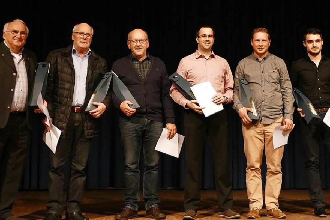 Ehrungen beim Bürgerneujahrsempfang  B...rdienten Ehrenamtlichen vom SV Tunsel.  | Foto: Susanne Müller