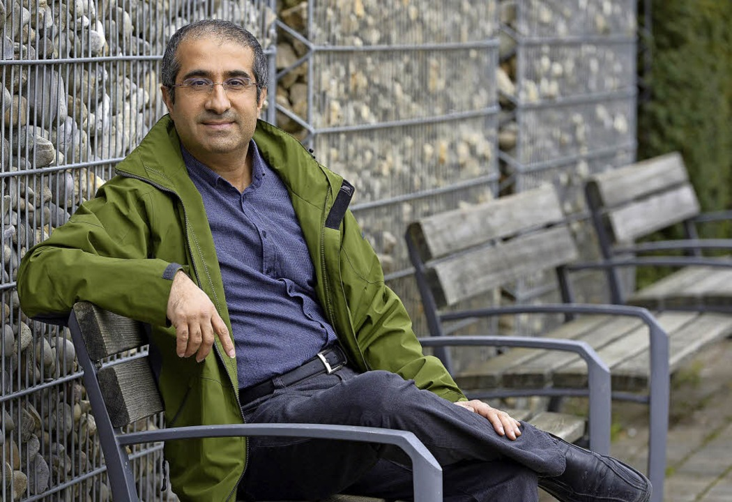 Murat Kücük ist einer der Moderatoren der Biografiegespräche.   | Foto: Ingo Schneider