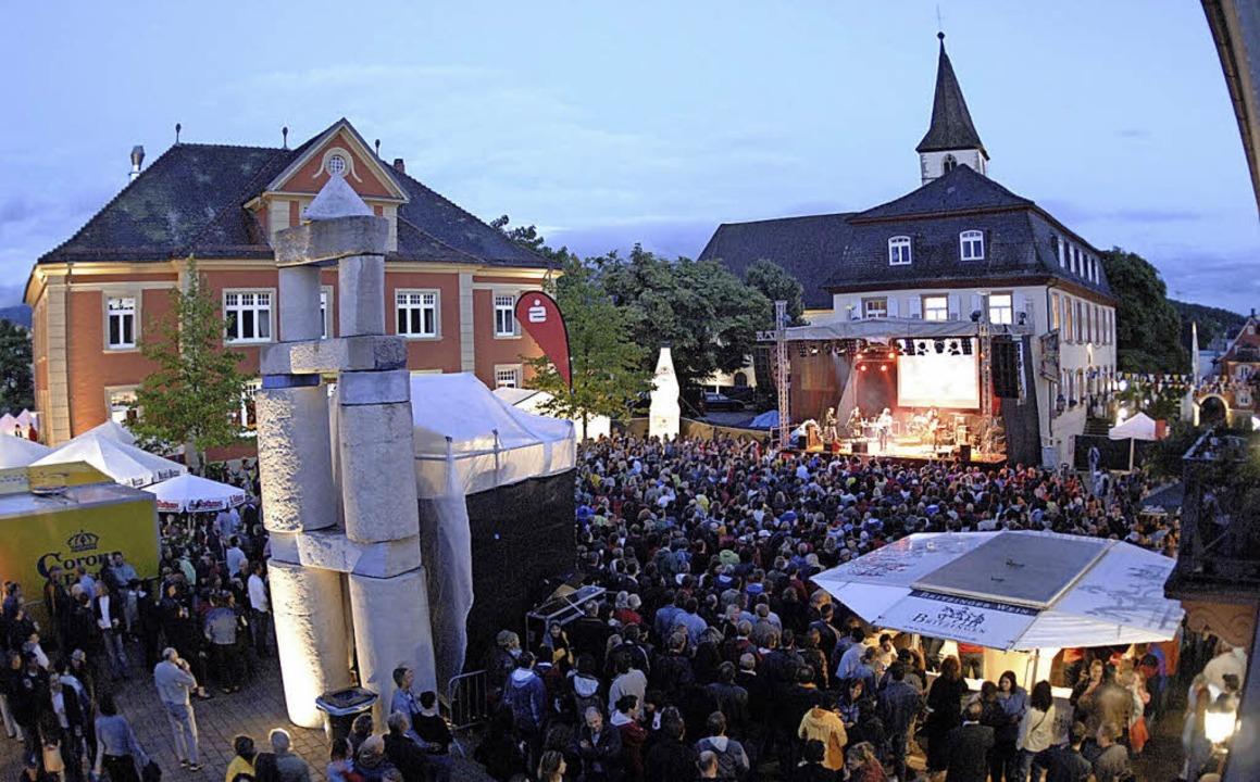 Tausende von Besuchern kamen bisher zu...uf dem Markgräfler Platz in Müllheim.   | Foto: Archivbild: Volker Münch