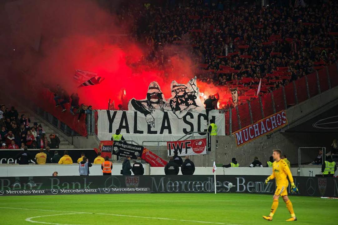 8000 Euro Strafe muss der SC Freiburg ...n der SC-Anhänger an den DFB bezahlen.  | Foto: dpa