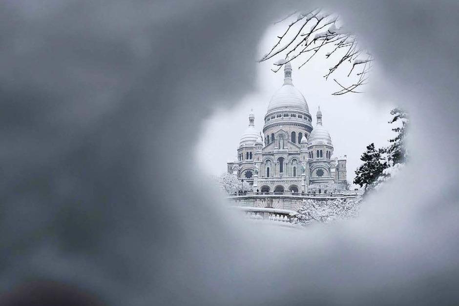 Der Wintereinbruch in Paris legte den Verkehr lahm. (Foto: AFP)