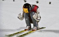 Wellinger fliegt bei Chaos-Springen zu Gold und Schanzenrekord