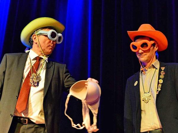 Im Duell: Der amtierende Oberbürgermeister Dieter Salomon (Grüne) und sein Herausforderer Martin Horn (von der SPD unterstützt) müssen Größen schätzen.