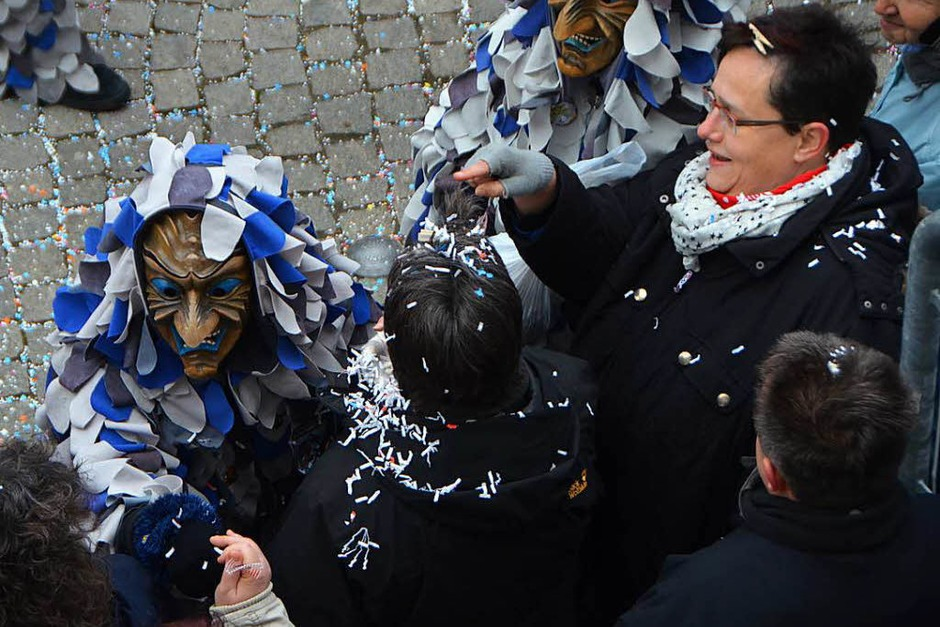 Viel Spaß hatten Narren und Zuschauer beim Emmendinger Umzug. (Foto: Gerhard Walser)