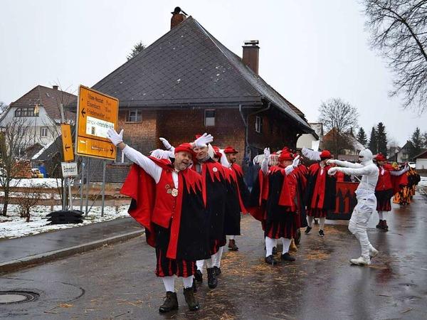 Bunter Umzug in Rötenbach