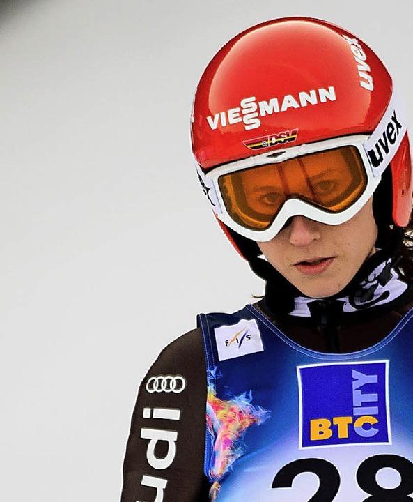 Am Traumziel: Skispringerin Ramona Str... heute bei den Olympischen Spielen ab.    Foto: dpa