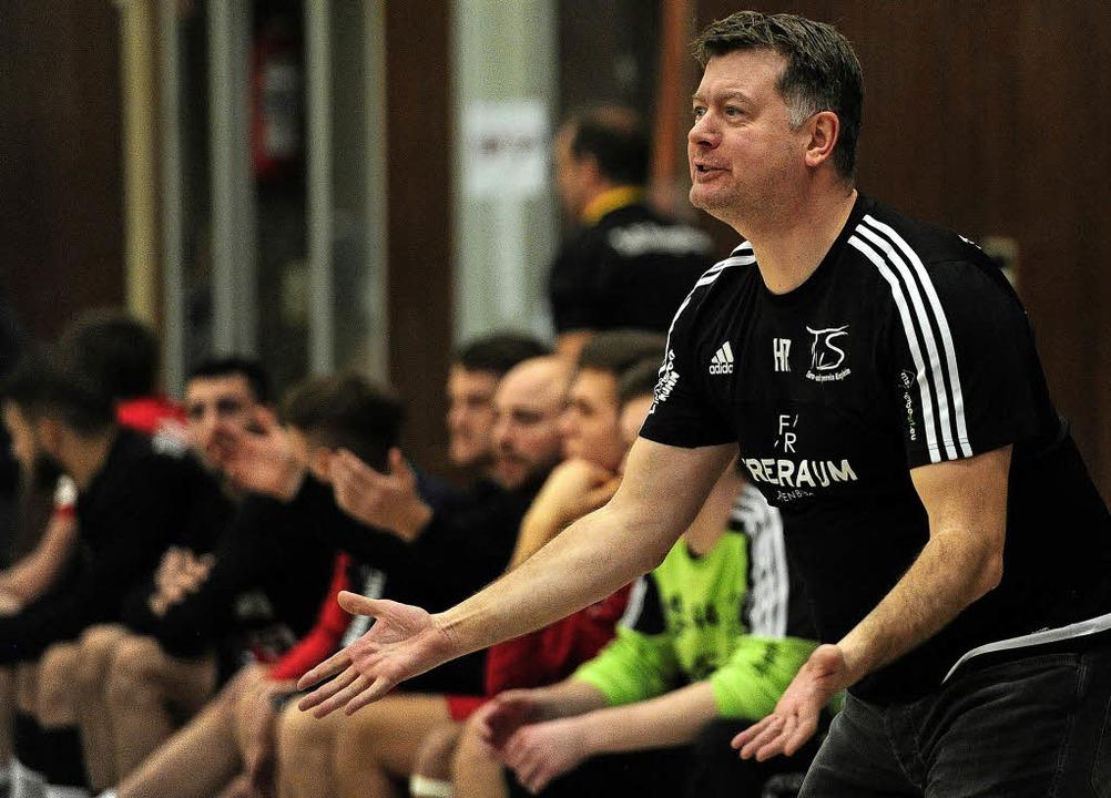 Coach Heiko Rogge und der TuS mussten die Überlegenheit des Gegners anerkennen.   | Foto:  Pressebüro Schaller