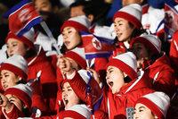 Kims Cheerleader sind der Blickfang beim Olympia-Auftakt
