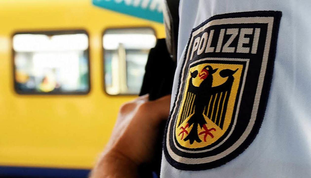 Die Bundespolizei griff einen 38-jähri... in Freiburg leben wollte. Symbolbild.  | Foto: dpa