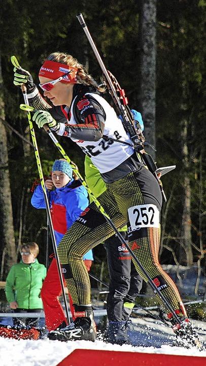 Formverbessert: Biathletin Annika Knoll  | Foto: Jürgen Ruoff