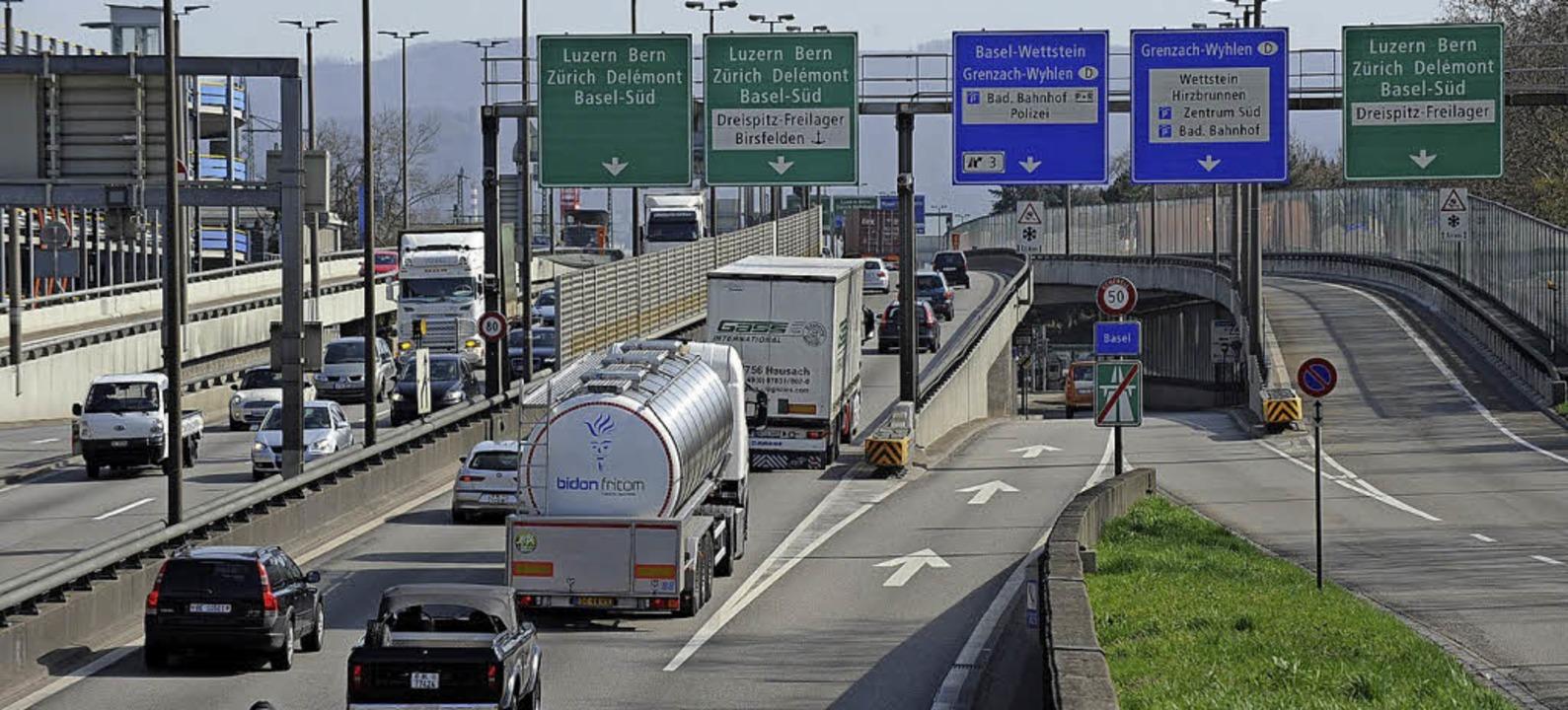 Der Lärmschutz an der Autobahn in Basel soll besser werden.   | Foto: Junkov