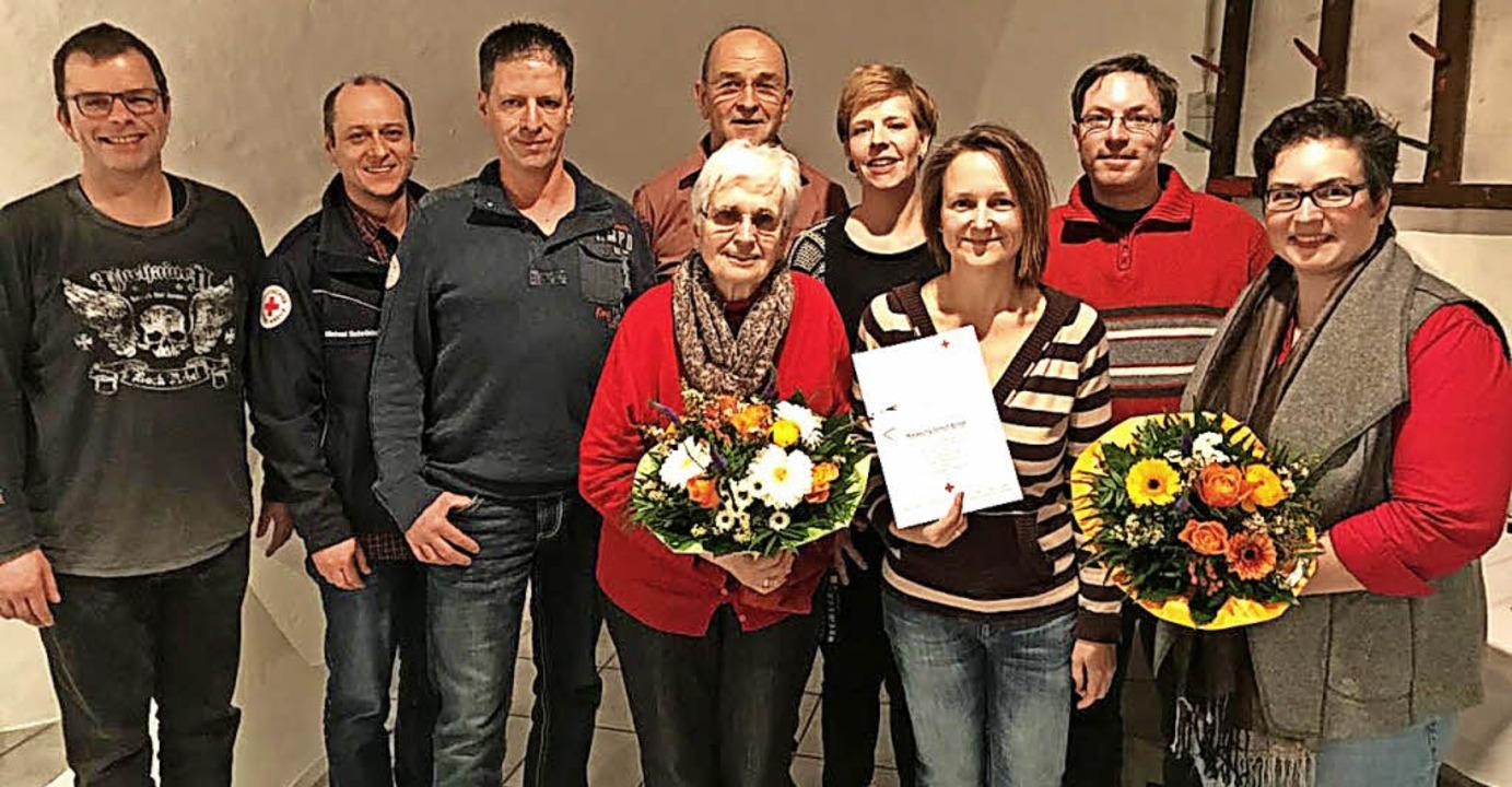 Ehrungen beim Roten Kreuz (von links):...st, Felix Eith und Sonja Dangelmaier.   | Foto: Privat