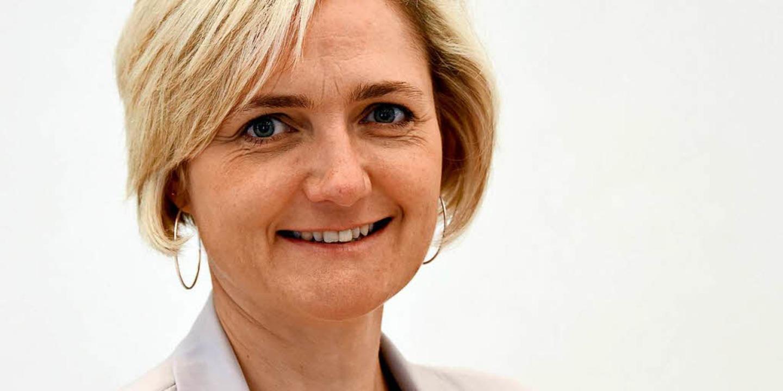 Die Flensburger Oberbürgermeisterin Si...ndidatur für den SPD-Bundesvorsitz an.  | Foto: dpa