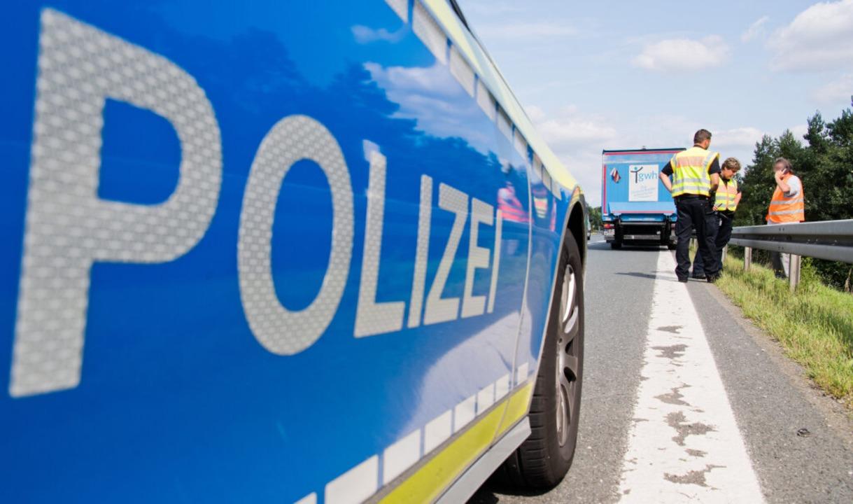 Bei dem Unfall auf der A5 starben am Montag vier Menschen.  | Foto: dpa