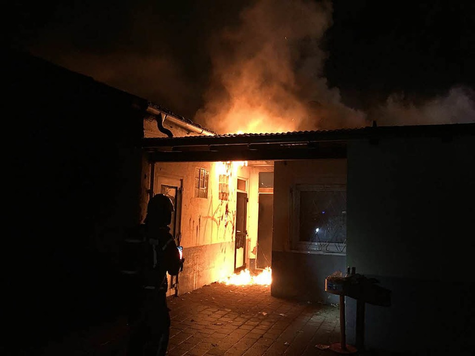 Das Jamhouse brannte Ende Januar zu ei...11; seine Zukunft ist bisher ungewiss.  | Foto: Feuerwehr Neuenburg