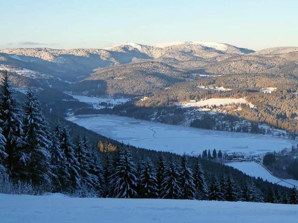 Klirrende Kälte, blauer Himmel und Sonnenschein: So zeigt sich der Hochschwarzwald zum Ende der närrischen Tage.