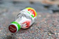 Polizei findet 14-Jährigen schlafend mit Schnapsflaschen im Freien