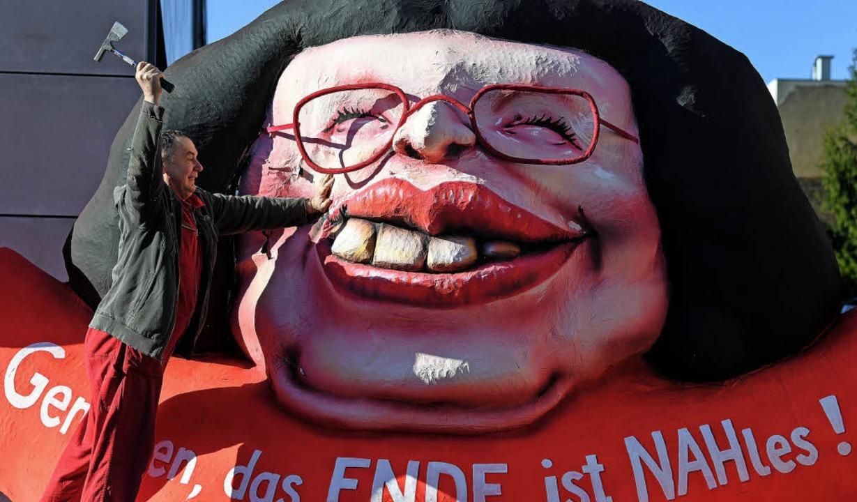 Beginnt schon Nahles' Demontage?...illy  jedenfalls schwingt den Hammer.   | Foto: DPA