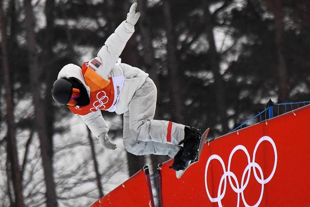 Vor dem dritten Durchgang war White nu...ilbermedaillengewinner Hirano gewesen.  | Foto: AFP