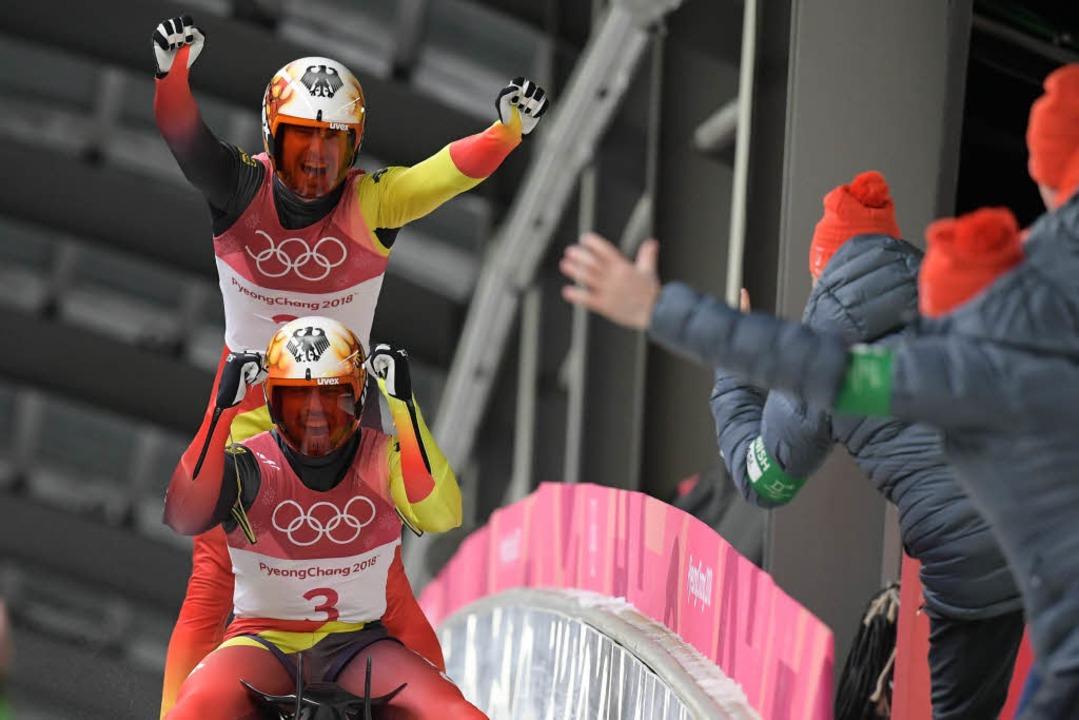 Jubel bei Tobias Wendl und Tobias Arlt  | Foto: AFP