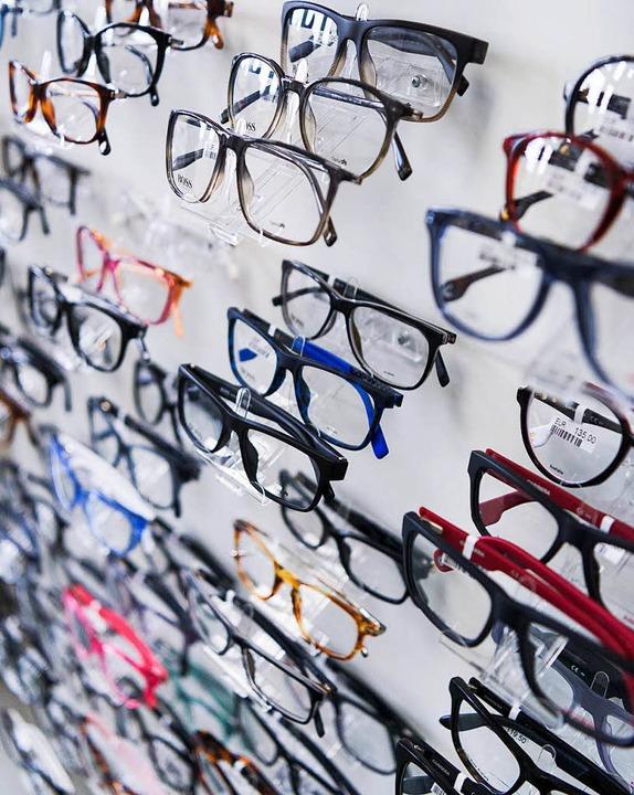 Brillen, wie auf diesem Symbolbild, wu...n eines Optikers in Umkirch gestohlen.  | Foto: dpa
