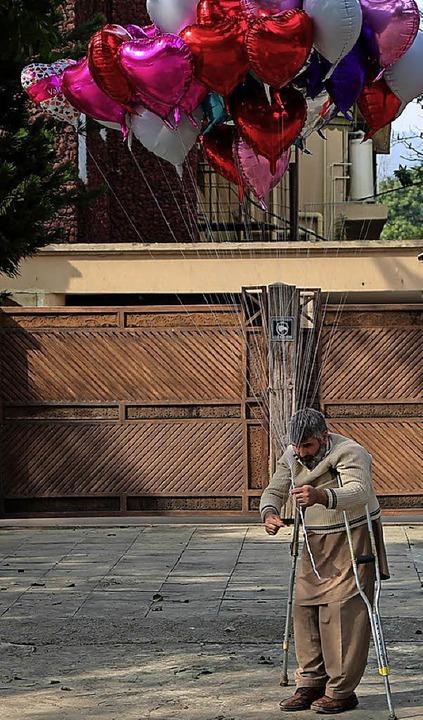 Trotz des Verbots wurde in Pakistan der Valentinstag gefeiert.   | Foto: dpa