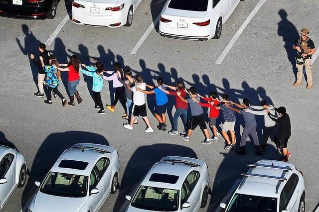17 Tote nach Schüssen an High School in Florida