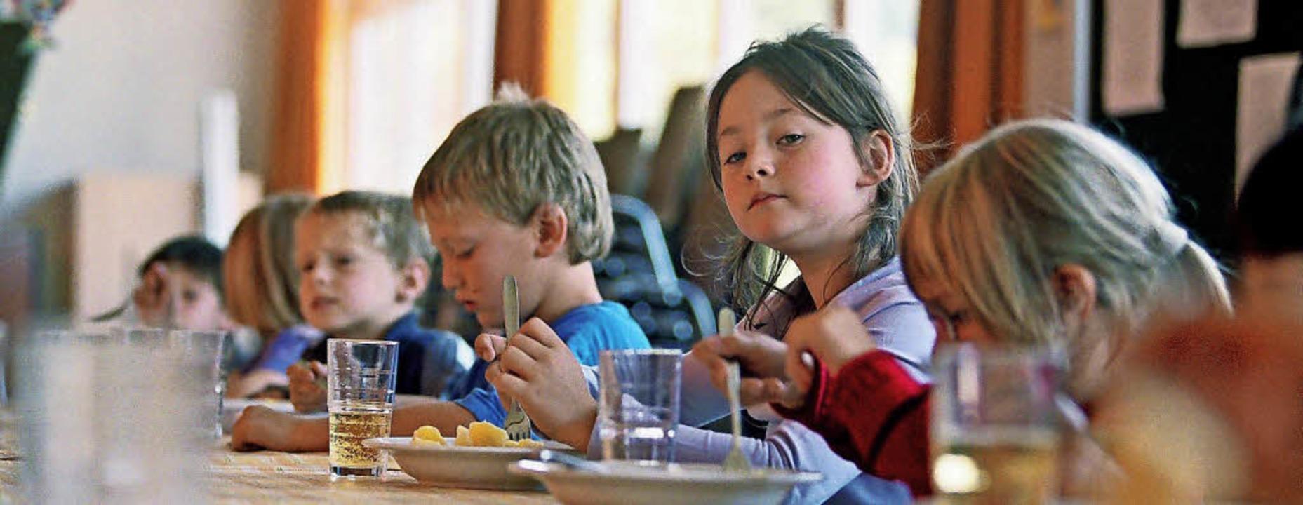 Ab dem kommenden Schuljahr können auch...le besuchen, mittags versorgt werden.     Foto: Symbolfoto: dpa