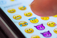 Wird am Freiburger Siegesdenkmal bald per Emojis informiert?