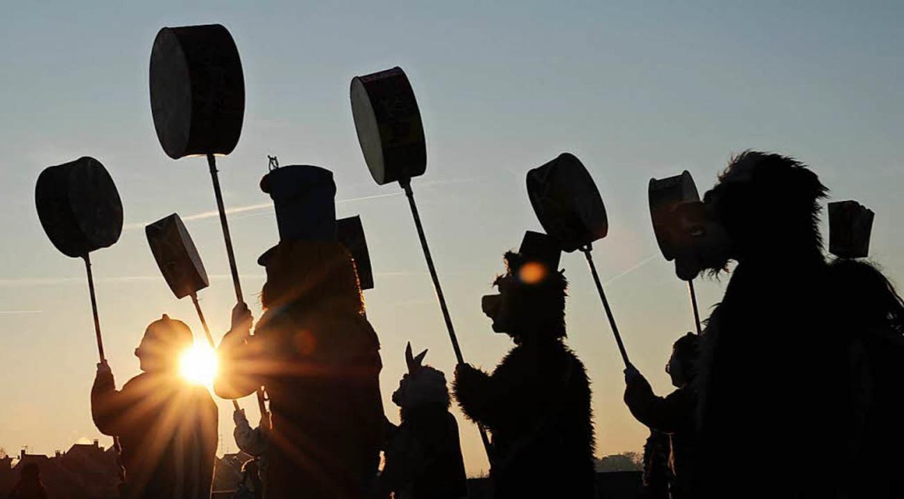 Mehr als 18.000 Aktive nehmen bis Mittwoch an dem Volksfest teil.  | Foto: dpa