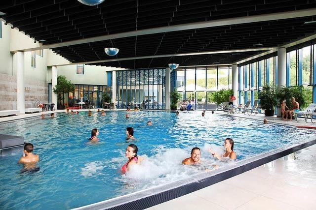 Aqualon-Therme in Bad Säckingen baut VIP-Umkleidekabinen