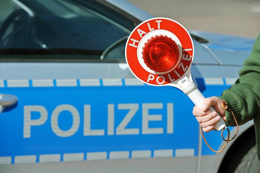 Absteigen mussten zahlreiche Schüler b...izeikontrolle in Lörrach (Symbolbild).  | Foto: dpa