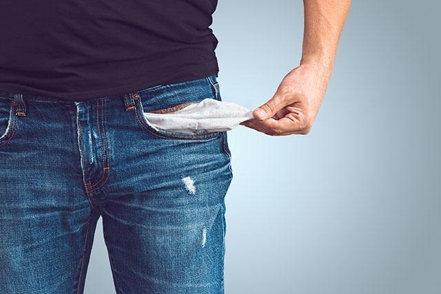 22-Jähriger verprasst sein Taschengeld und täuscht Raub vor