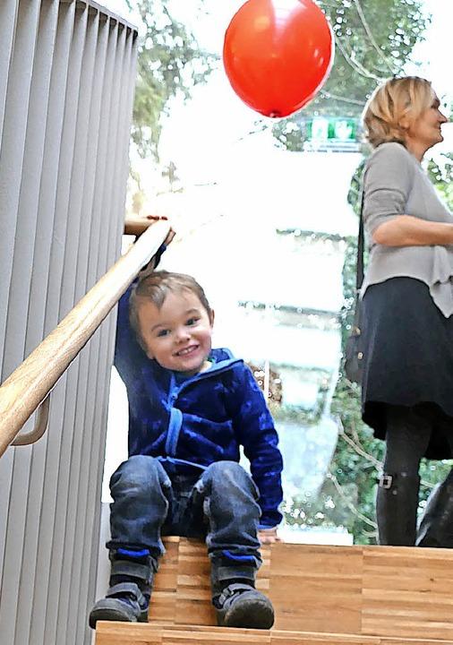 Die neue Treppe kann auch ein Ort zum Spielen sein.  | Foto: Elena Bischoff