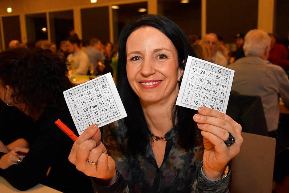 Mitmachen beim Bingo-Spiel (Foto: Heinz u. Monika Vollmar)