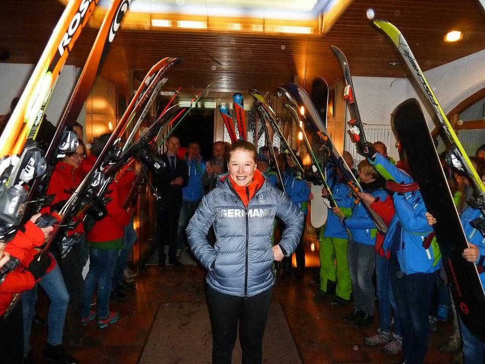 Überwältigender Empfang für eine Olymp...mkehrerin: Jana Fischer war sprachlos.  | Foto: Heidrun Simoneit