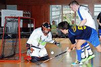 Floorball: Eishockey ohne Eis – und nicht so hart