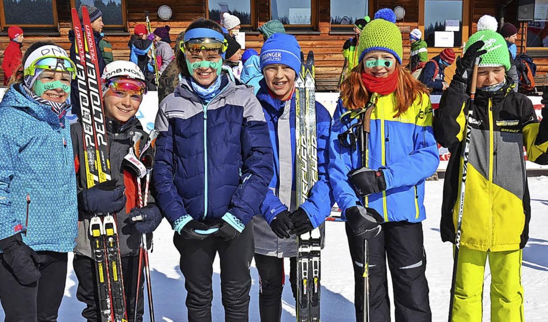 Sie freuen sich nach zwei Wettkampftag...cher, Lotta Schelb und Mika Ketterer.   | Foto: annemarie zwick