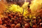 Fotos: Farbenrausch beim Holi Frühlingsfest in Indien