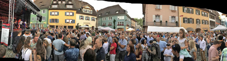 Dichtgedrängt geht es meist in der Sta...ädt, wie hier 2017 zu Wein&Musik.   | Foto: H.-P. Müller